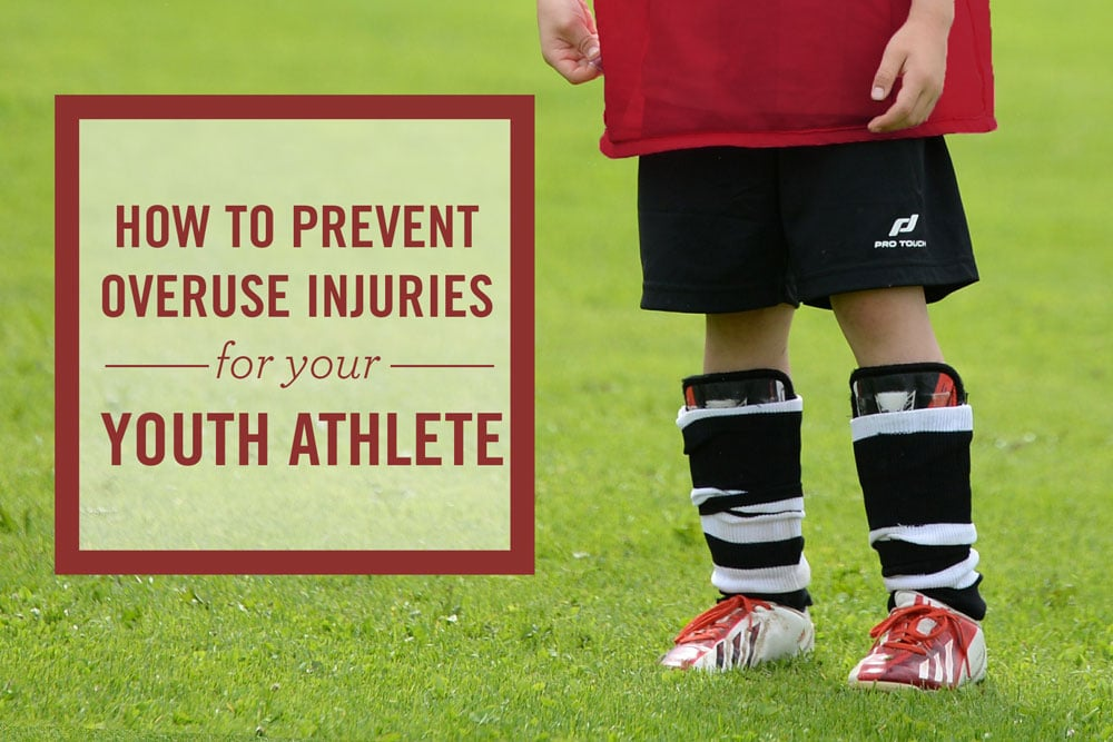 overuse injuries Three common types of sports injuries in kids and teens are acute injuries, overuse injuries, and reinjuries: acute injuries acute injuries happen suddenly and are usually associated with some form of trauma.